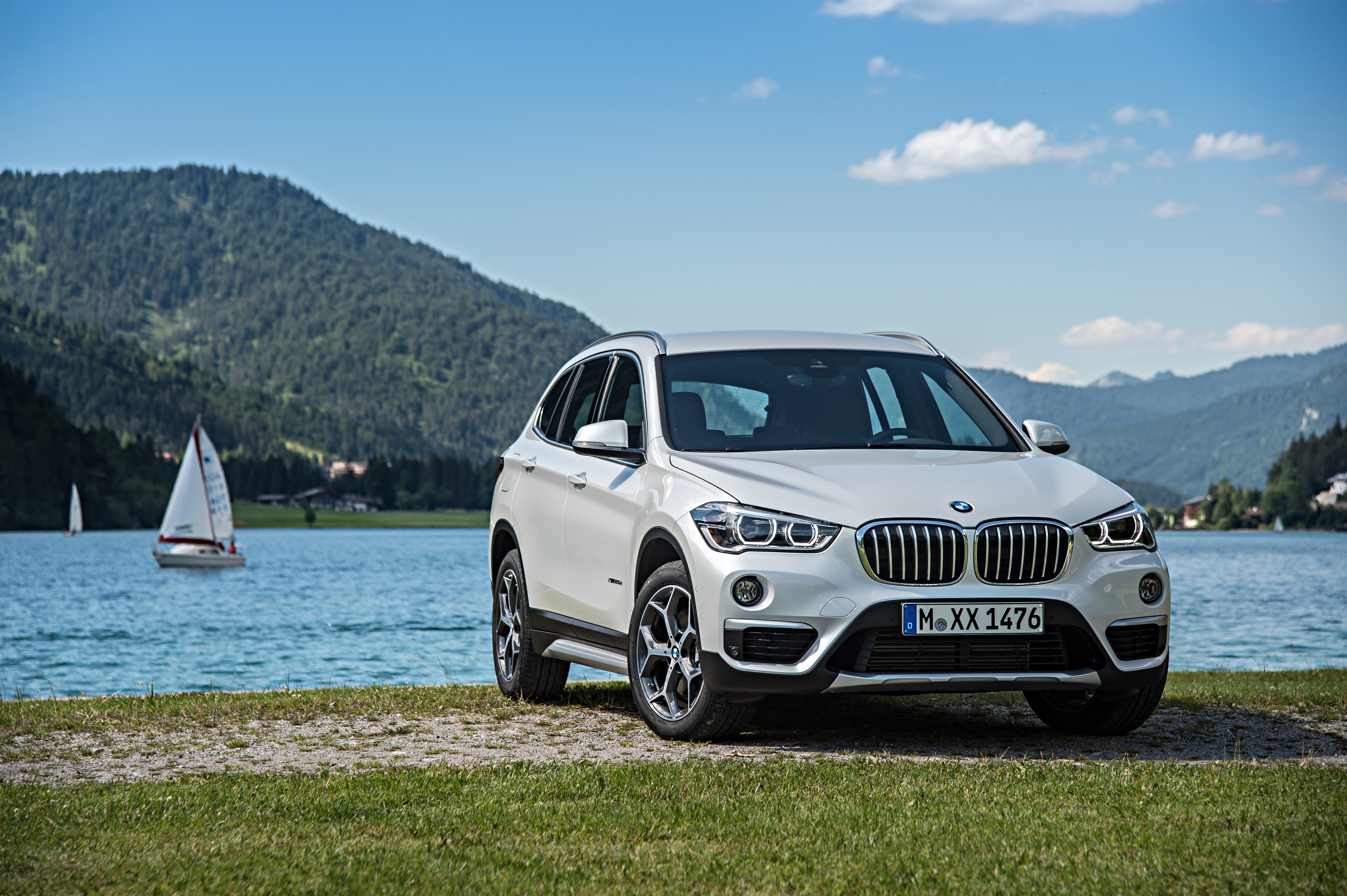 P90190688_highRes_the-new-bmw-x1-on-lo