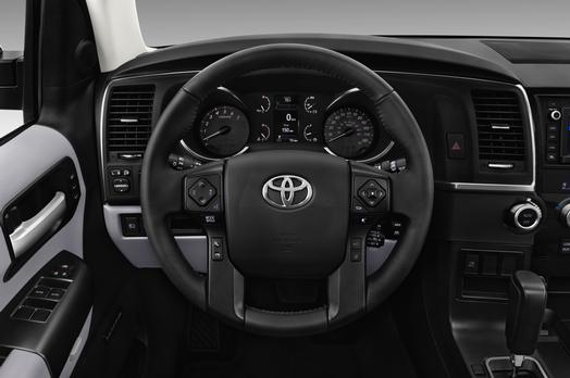 2018_Toyota_Sequoia_Limited_15_81E7281E43D946839A611FB7104A55EED9EE4415_low